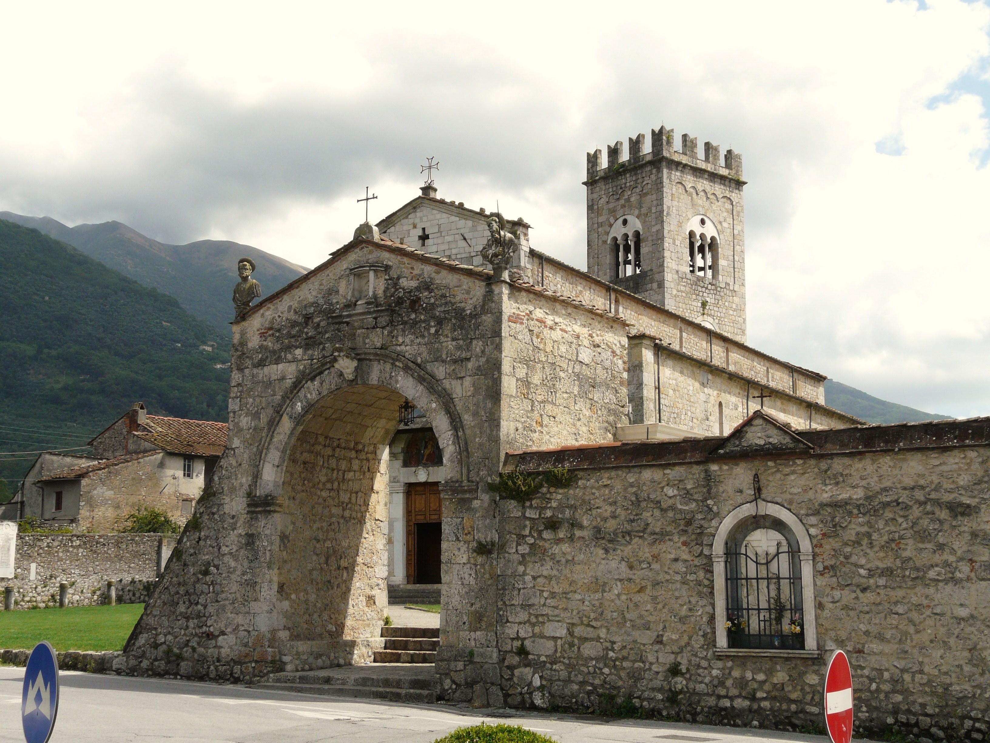 camaiore-chiesa